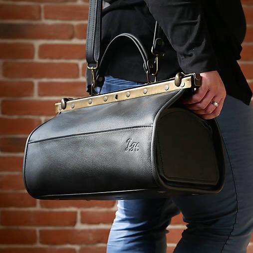 Kabelky - Lilibetka - kožený kufr s rámem - 13394583_