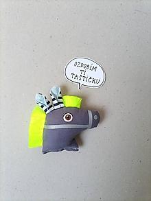 Odznaky/Brošne - Koník - reflexná brošňa - 13394590_
