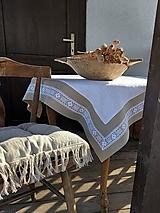 Úžitkový textil - Ľanový obrus Grandma's Story White - 13394487_