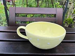 Nádoby - Veľká pastelovo žltá šálka :) - 13400570_