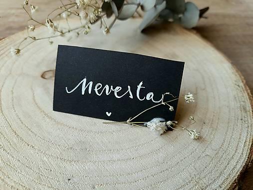 Netradičné menovky pre svadobčanov