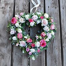 Dekorácie - Dekoračné srdce z ruží, veniec, na dvere, svadbu - 13404854_