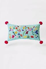 Úžitkový textil - Vankúš tyrkysový ručne vyšívaný - 13406536_