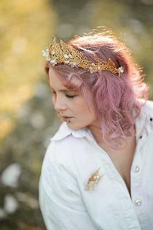 """Ozdoby do vlasov - Svadobná korunka """"kvety zlatom pretkané"""" - zlatá - 13405227_"""