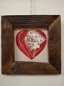 Obrazy - Obraz s rámom zo starého dreva - šité srdce - 13405728_