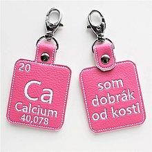Kľúčenky - Kľúčenka prvok Ca-som dobrák od kosti (sk) - 13408295_