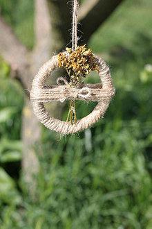 Dekorácie - Závesná dekorácia so sušenými kvetmi - Lubovník bodkovaný - 13410560_