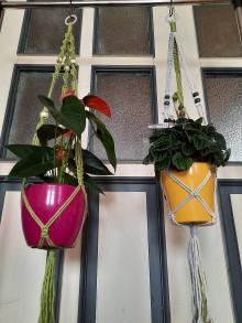 Dekorácie - Macrame záves na kvety - 13412897_