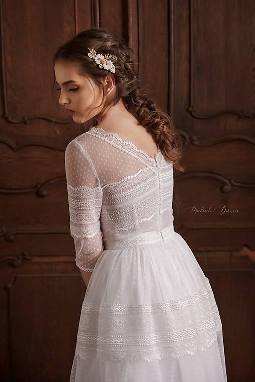 Svadobné šaty z bodkovaného tylu vo vintage štýle