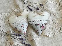 Dekorácie - Srdiečka levanduľové s ružičkami.. - 13416171_
