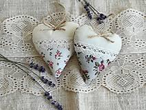 Dekorácie - Srdiečka levanduľové s ružičkami.. - 13416172_