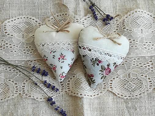 Srdiečka levanduľové s ružičkami..