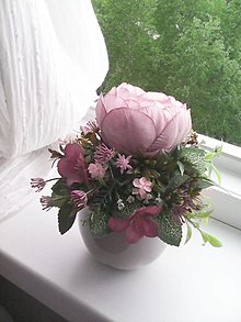 Dekorácie - Kvetinový aranžmán ...jemná pivonka... - 13415599_
