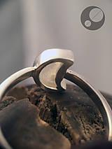 Prstene - Prsteň s mesačným kameňom - 13417509_