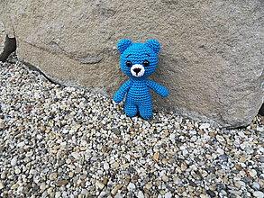 Hračky - Milý háčkovaný mini-macko do vrecka (modrý) - 13420535_