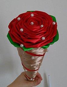 Dekorácie - Ruža vo veľkom kornútku - 13423113_