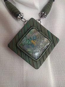 Náhrdelníky - Zelený náhrdeľník - 13425374_