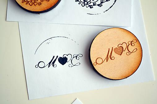 Svadobná pečiatka drevená okrúhla (srdcia)