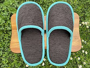 Obuv - Tmavohnedé papuče s tyrkys lemom - 13430536_