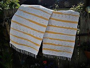 Úžitkový textil - Tkané koberce melírované biele s oranžovými pásikmi - 13430212_