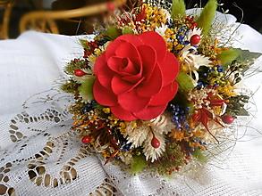 Dekorácie - Malá červená kytička - 13435989_