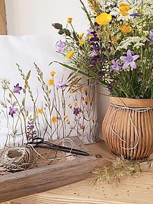 Úžitkový textil - Vankúš lúka biela bavlna - 13434684_