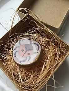 Náhrdelníky - Lienka (Hlinený prívesok, resp. náhrdelník - pozlátená retiazka z ocele) - 13440001_