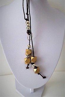 Náhrdelníky - Náhrdelník prevlečený (Náhrdelník  so zlatým  kolečkom) - 13439710_