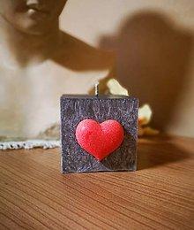 Svietidlá a sviečky - Smútočná sviečka so srdiečkom - 13440560_