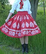 Sukne - Suknica Biely folklór na červenej - 13442855_