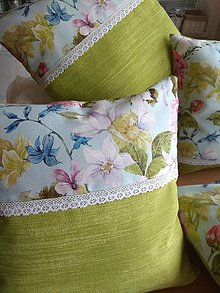 Úžitkový textil - Vankúš v zelenom - 13444010_