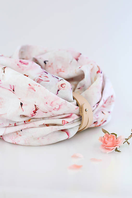 """Elegantný navliekací nákrčník zo 100% kvetinového ľanu """"Ružová neha"""""""