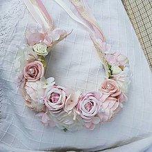 Ozdoby do vlasov - Parta z ruží a pivoniek s perličkami jemná ružová, krémová - 13451688_