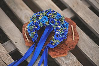 Ozdoby do vlasov - Folklórna svadobná kvetinová parta - kráľovsky modrá - 13453448_