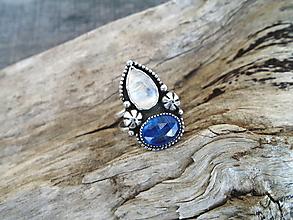 Prstene - Strieborny prsteň Ag925 Marabella -Mesačný kameň a Kyanit - 13451466_