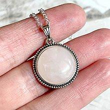 Náhrdelníky - Rose Quartz Antique Silver Pendant / Privesok s ruženínom - 13454807_