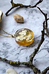 Náhrdelníky - Náhrdelník Hortenzia medová 3052 A CHO - 13454870_