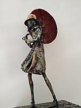 Socha - Prší a fúka vietor...socha - 13456706_