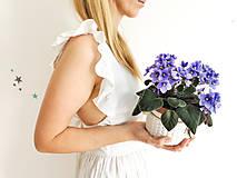 Šaty - Dámske ľanové šaty s volánmi (Biela) - 13456562_