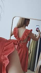 Šaty - Dámske ľanové šaty s volánmi (Biela) - 13456630_