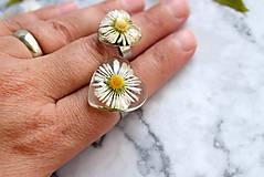 Prstene - Prsteň Sedmokráska srdce 3058 B CHO - 13457987_
