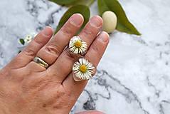 Prstene - Prsteň Sedmokráska srdce 3058 B CHO - 13457988_
