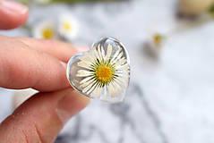 Prstene - Prsteň Sedmokráska srdce 3058 B CHO - 13457992_