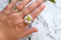 Prstene - Prsteň Sedmokráska srdce 3058 B CHO - 13457993_