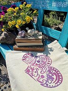 Iné tašky - Plátená taška/ Láska je všetko čo potrebuješ - 13462156_