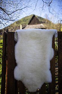 Nábytok - Ovčia kožušina biela strihaná - 13460796_