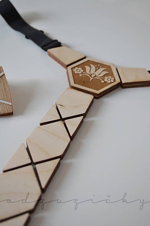 Drevená kravata folk od Dorky (Inverzný tulipán)