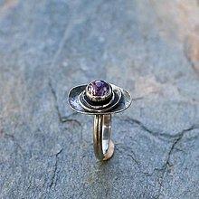 Prstene - Prsteň zo striebra - Na lupienkoch - 13464617_