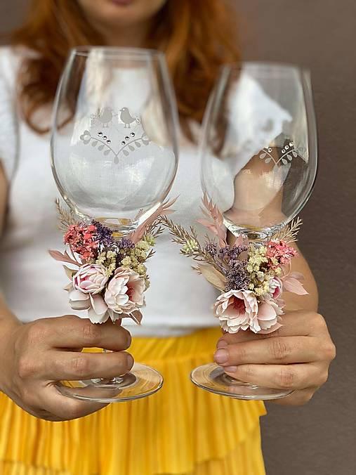 """Kvetinová ozdoba na svadobné poháre """"najkrajšia myšlienka"""""""