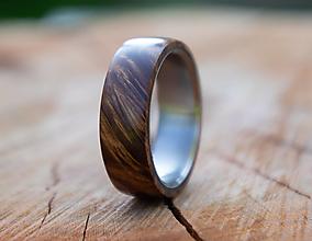 Prstene - Titánový prsteň stabilizovaný javor - 13466026_
